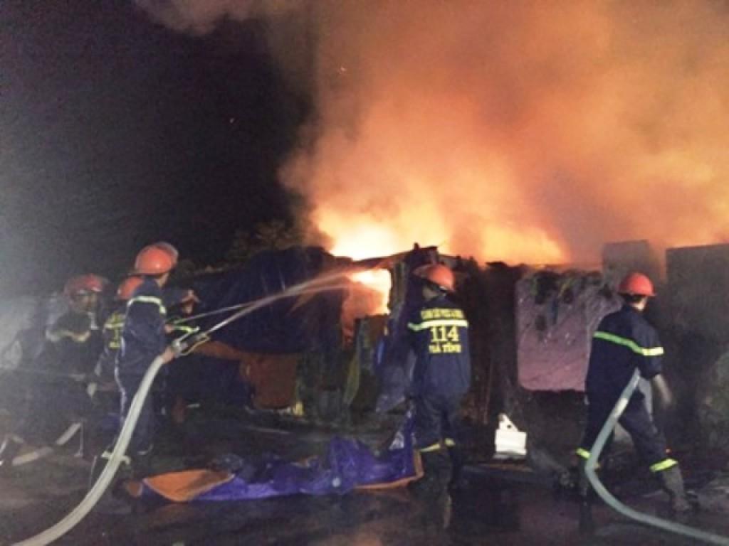 Cháy bãi chứa của Công ty CP gang thép Vạn Lợi
