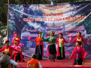 Độc đáo lễ hội Chùa Láng 2016
