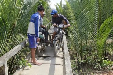 Khởi công cây cầu thép thứ 10 cho dân nghèo miền Tây