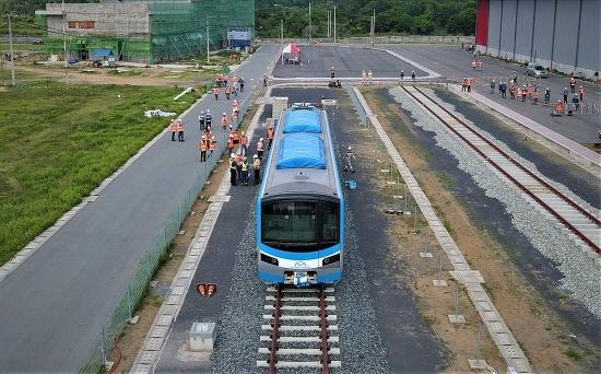 """Tháo """"nút thắt"""" tiến độ thi công tuyến đường sắt đô thị số 1 Bến Thành - Suối Tiên"""