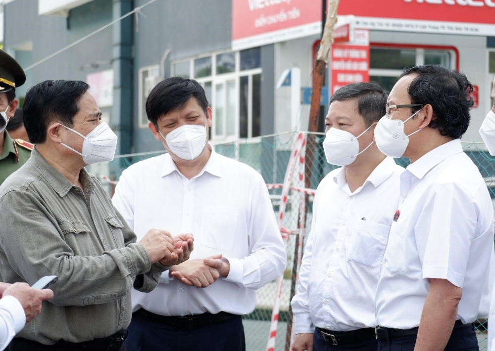 Thủ tướng Phạm Minh Chính: Tình trạng khan hiếm vắc xin Covid-19 có thể kéo dài đến tháng 9