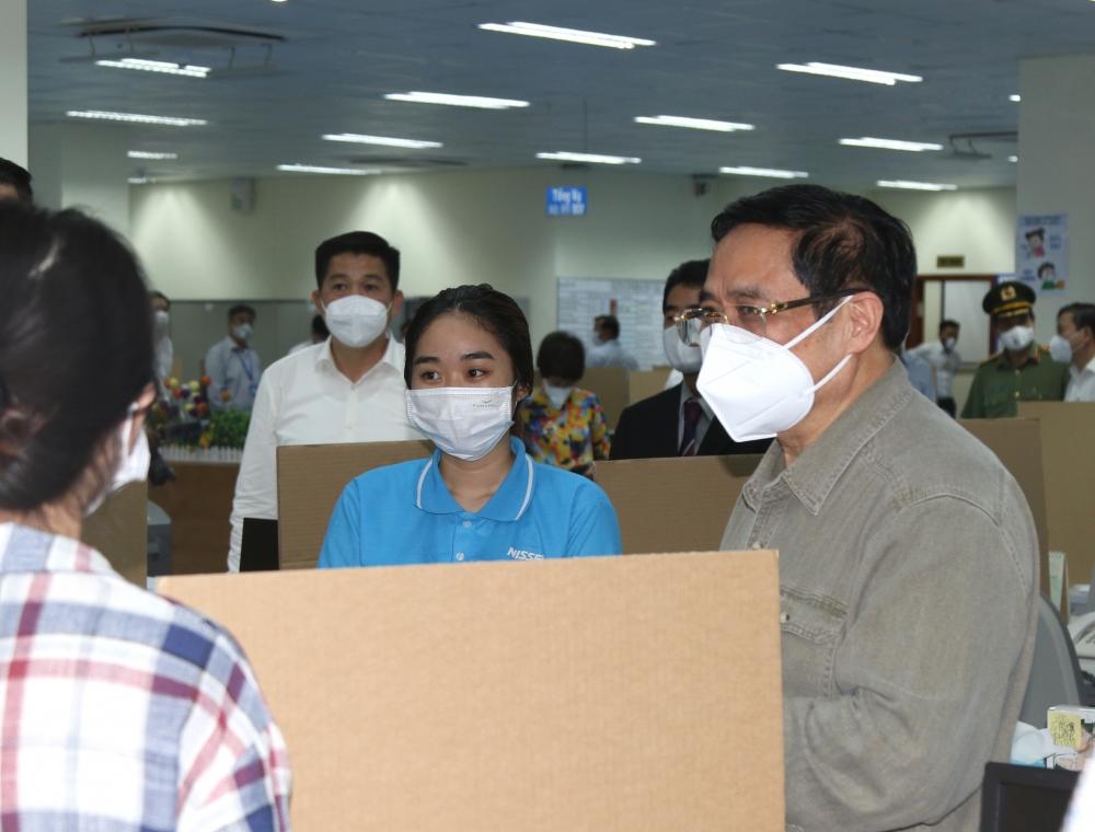 Thủ tướng Phạm Minh Chính: Ưu tiên cung cấp test nhanh Covid-19 cho thành phố Hồ Chí Minh