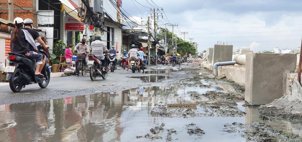 Thành phố Hồ Chí Minh: Dự án Cải thiện môi trường nước vẫn ngổn ngang sau 11 năm