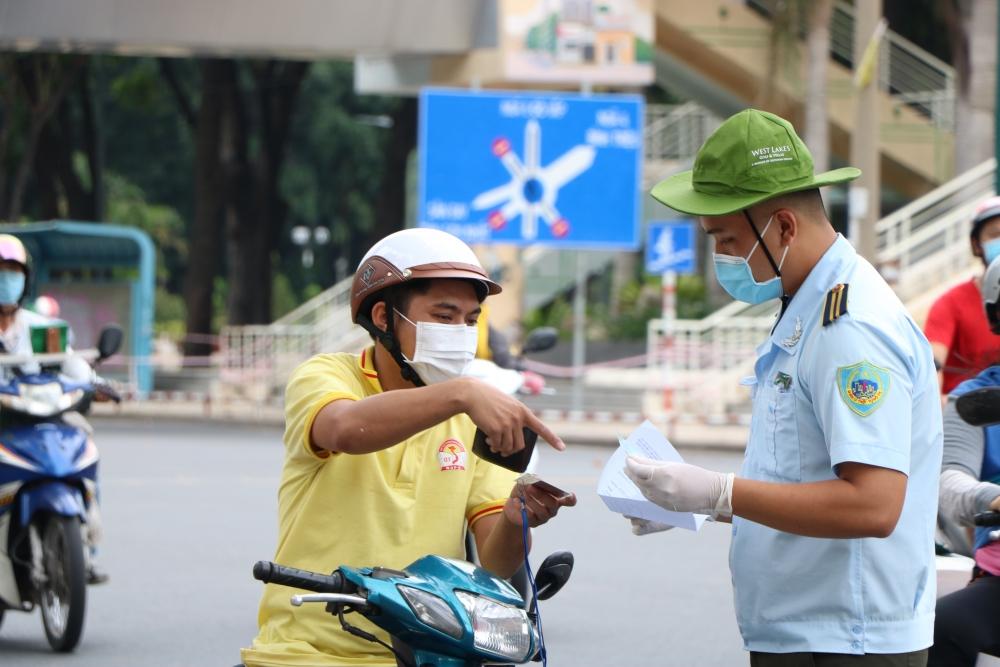 Thành phố Hồ Chí Minh: Ngân hàng, chứng khoán hoạt động mức độ duy trì công suất