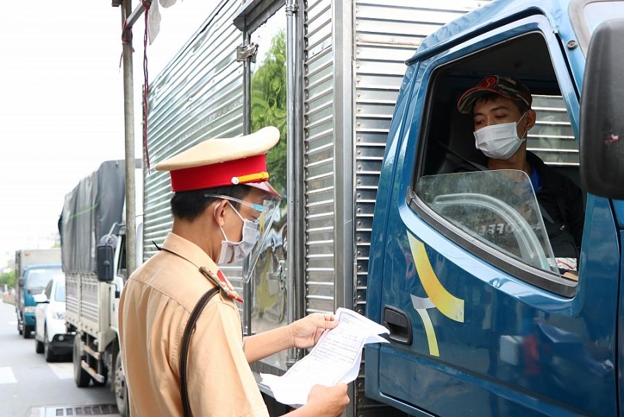 Thành phố Hồ Chí Minh hướng dẫn về vận chuyển hàng hóa lưu thông vào thành phố