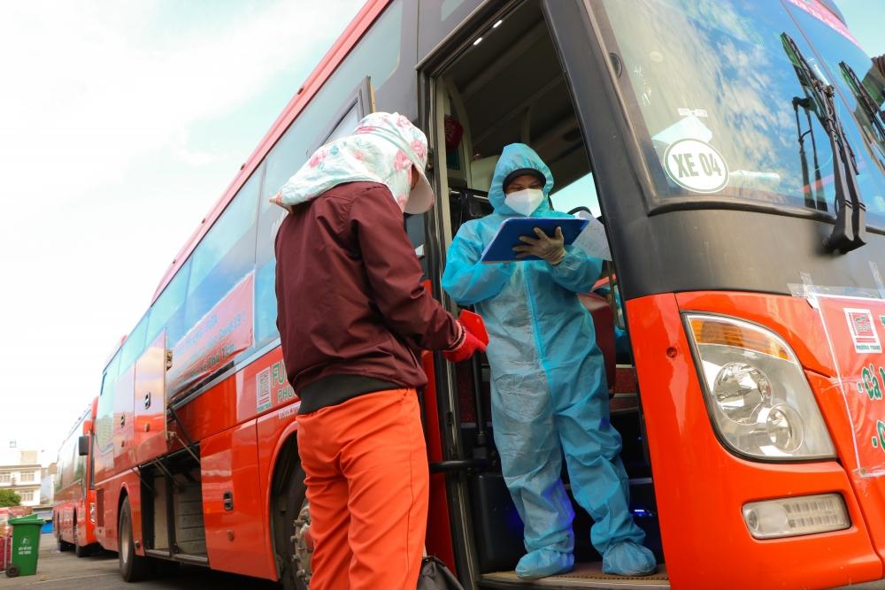 Điều kiện để người lao động trở lại thành phố Hồ Chí Minh làm việc sau 1/10