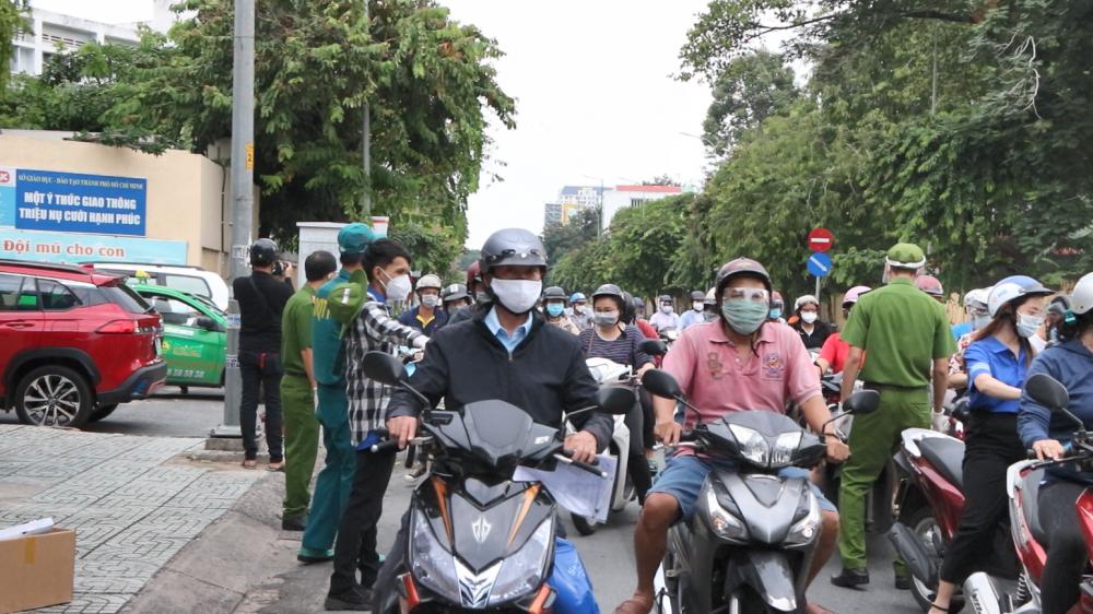 Nhiều tuyến đường ở thành phố Hồ Chí Minh xe đông đúc