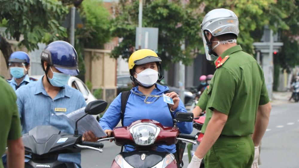 Thành phố Hồ Chí Minh: Những ai được ra đường sau 0 giờ ngày 23/8