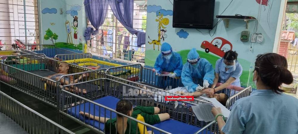 Triển khai tiêm vắc xin Covid-19 cho người được bảo trợ xã hội