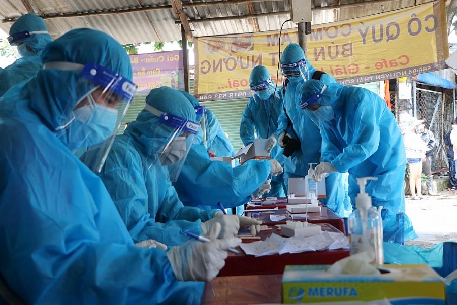 Thành phố Hồ Chí Minh tiến hành xét nghiệm diện rộng, tách F0 ra khỏi cộng đồng