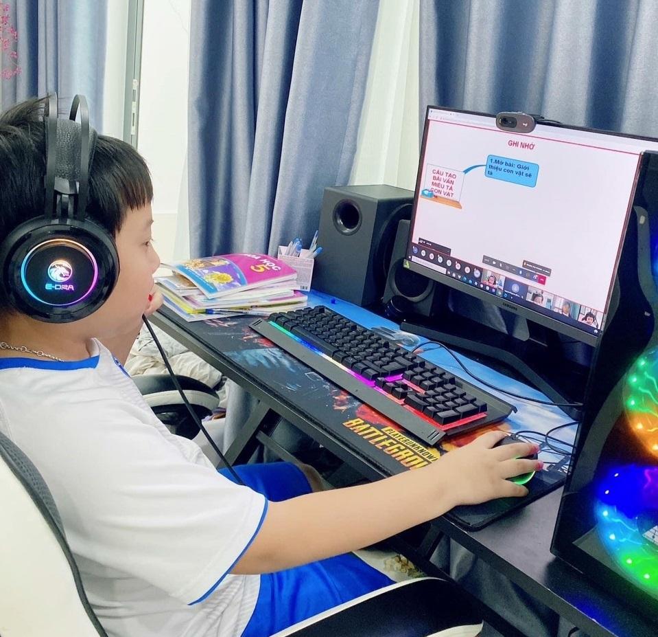 Hàng chục nghìn học sinh thành phố Hồ Chí Minh không đủ điều kiện học online