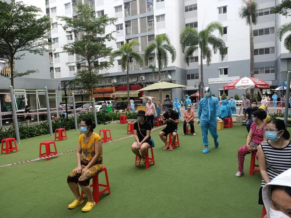 Người đã tiêm 2 mũi vắc xin ở thành phố Hồ Chí Minh có được ra đường vào ngày 6/9?