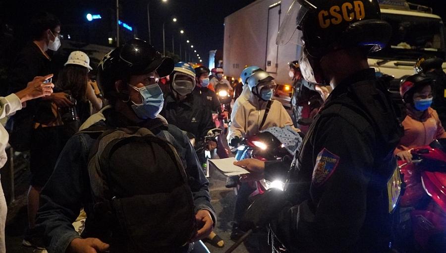 Tỉnh An Giang, Sóc Trăng đề nghị người dân không nên về quê tự phát