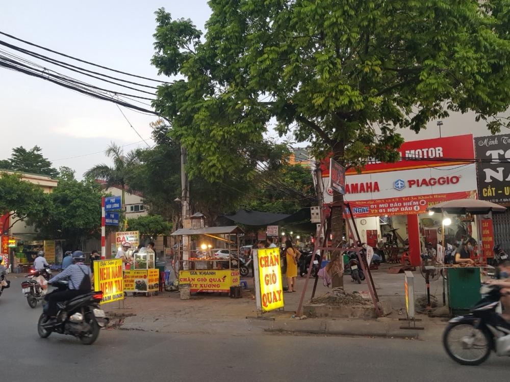Hà Đông, Hà Nội: Bất chấp lệnh cấm, chợ cóc vẫn vô tư tụ họp