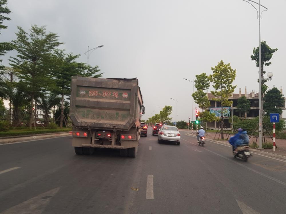 Tiếp diễn tình trạng xe quá tải hoành hành trên Quốc lộ 21B