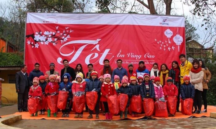 FC Nhà báo trẻ: Mang yêu thương đến trẻ em nghèo vùng cao