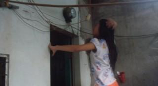 Người lao động  với nỗi lo điện tăng giá