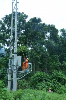 Huyện Ứng Hòa: Bất cập trong việc HTX quản lý điện hạ áp nông thôn