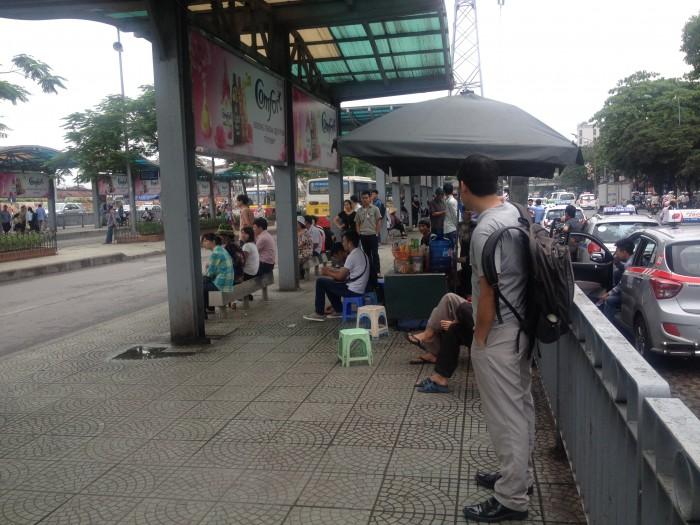 Nguy hiểm vẫn rình rập ở nhiều Trạm trung chuyển xe buýt