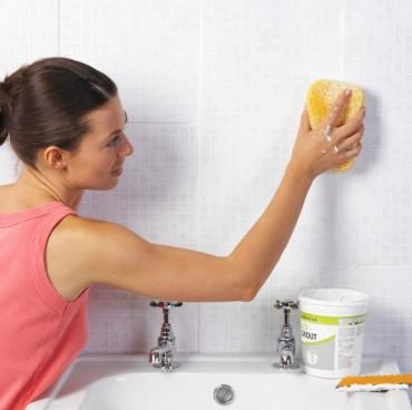 Không dùng hóa chất tẩy rửa, nhà tắm vẫn sạch bong