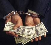 Xử lý hành vi nhận tiền chạy việc?