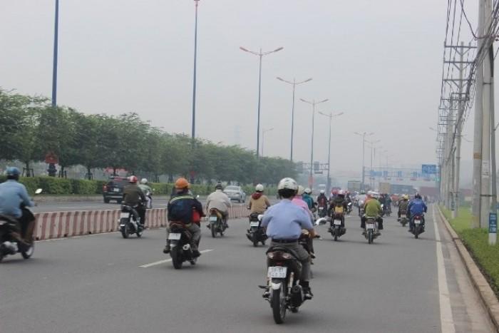 Xe máy lưu thông ban ngày phải bật đèn: Liệu có phản tác dụng?