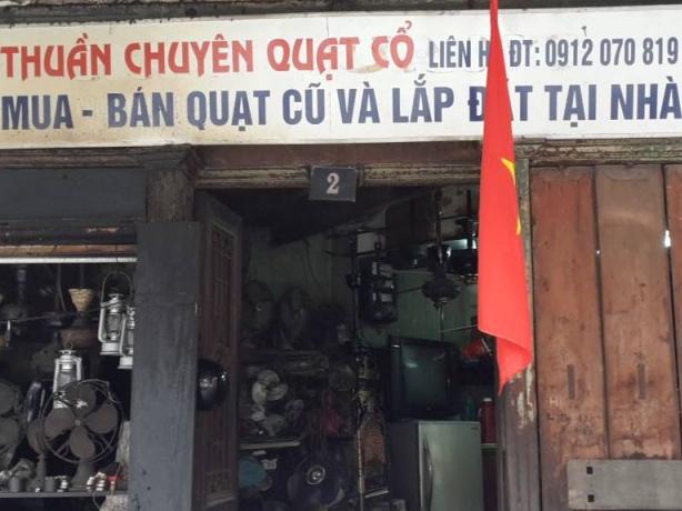 """Nghề phục chế quạt cổ """"độc nhất vô nhị"""" ở Hà Thành"""