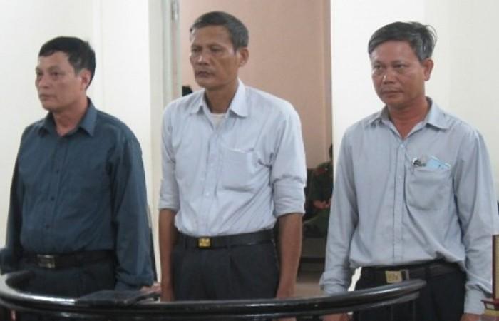 Bán đất công, hai cựu cán bộ xã ngồi tù