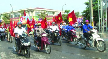 Ứng Hòa thi xe tuyên truyền lưu động chào mừng bầu cử