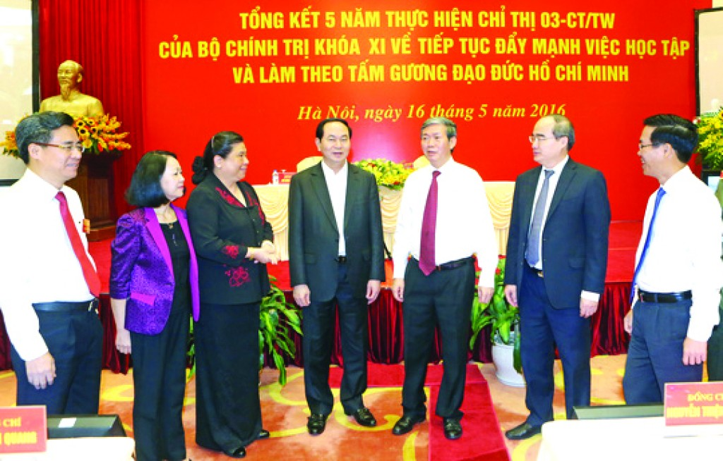 Tiếp tục học tập và làm theo  tấm gương đạo đức Hồ Chí Minh