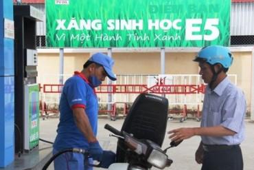 Đẩy mạnh thực hiện phân phối xăng E5