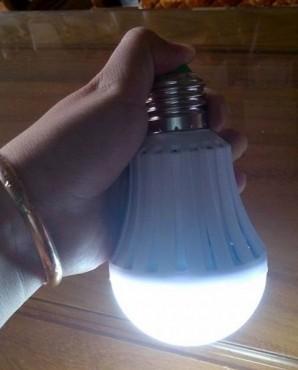 Lừa đảo bằng đèn tự sáng