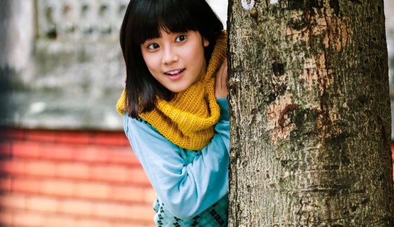Hoàng Yến Chibi dầm mưa, nhảy và hát live trên phim trường