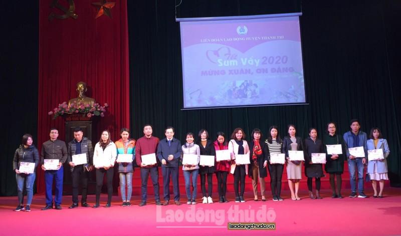 Xúc động Tết Sum vầy của công nhân viên chức lao động huyện Thanh Trì