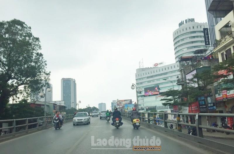 Hà Nội 29 Tết: Đường phố thênh thang giờ cao điểm