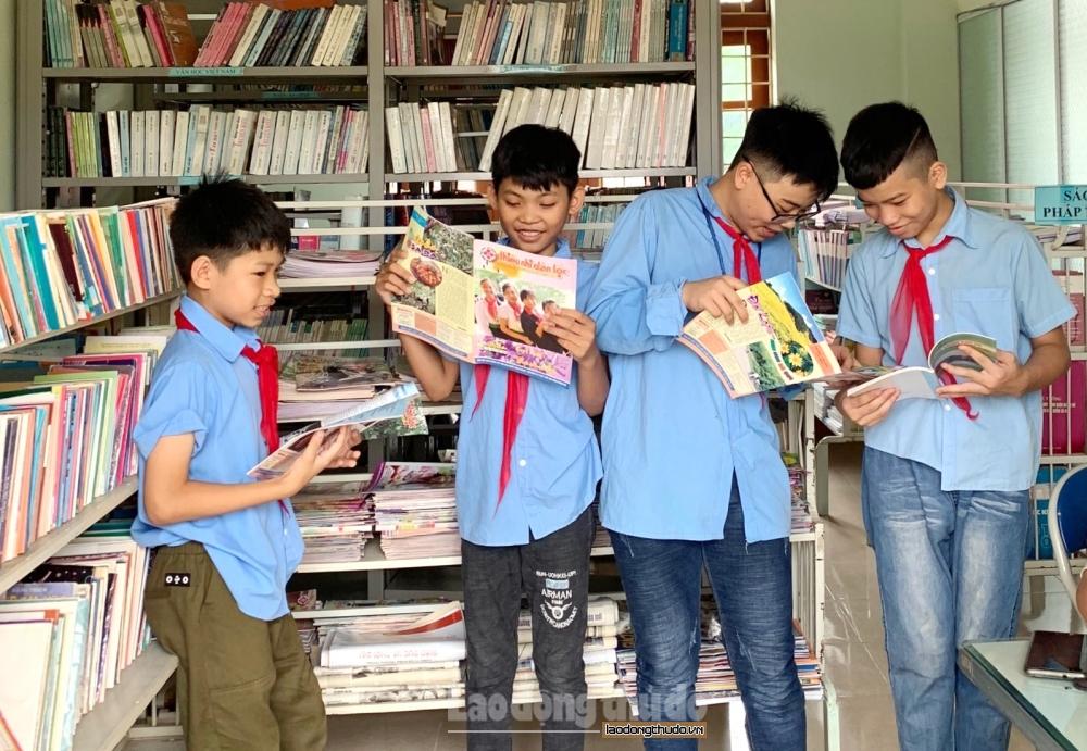 Tổ chức nhiều hoạt động chào mừng Đại hội đại biểu toàn quốc lần thứ XIII của Đảng tại thư viện công cộng