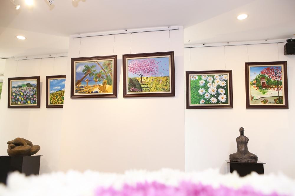 """Triển lãm tranh nghệ thuật của trẻ tự kỷ: """"Sắc màu – những mảnh ghép"""""""