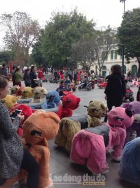 Nhiều trò chơi phục vụ trẻ em vui xuân