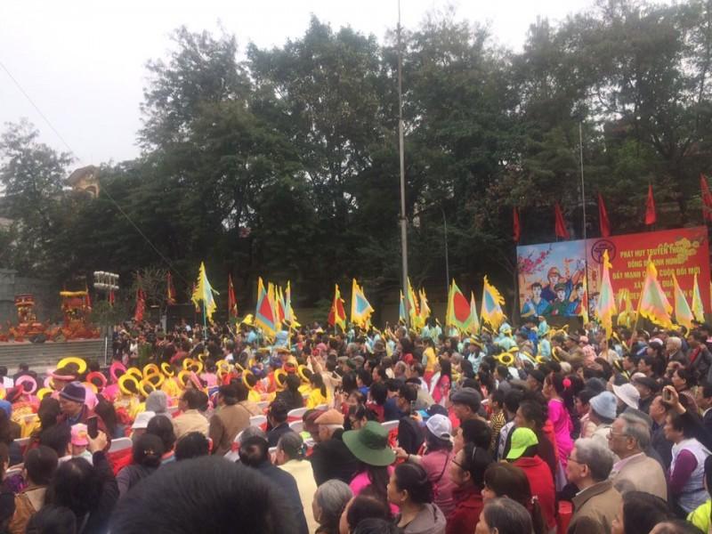 Hàng ngàn người dân đổ về Lễ hội kỷ niệm chiến thắng Ngọc Hồi - Đống Đa