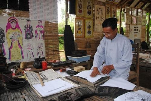 Tranh dân gian làng Sình, sản phẩm độc đáo mang đậm nét văn hóa tâm linh xứ Huế