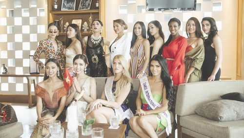 Đỗ Nhật Hà nổi bật giữa dàn thí sinh tại Hoa hậu chuyển giới Quốc tế 2019