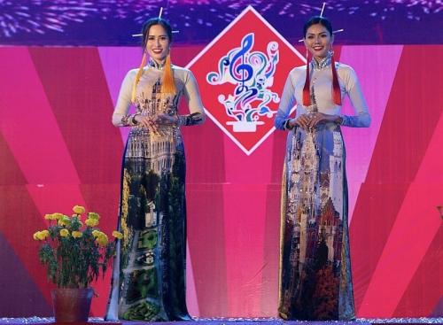 Hơn 40 Hoa hậu, người mẫu, diễn viên nổi tiếng sẽ trình diễn tại Lễ hội Áo dài 2019