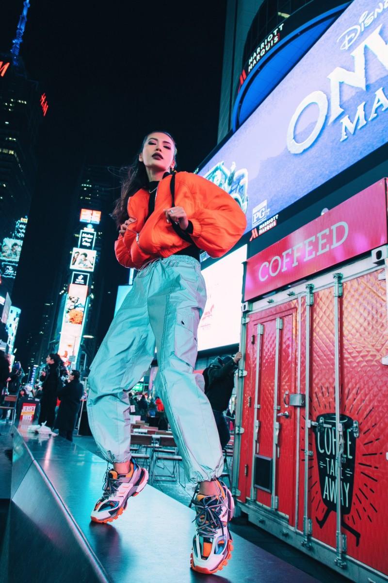 Hoa hậu Minh Tú với thời trang đường phố sành điệu khi tham dự New York Fashion Week 2020