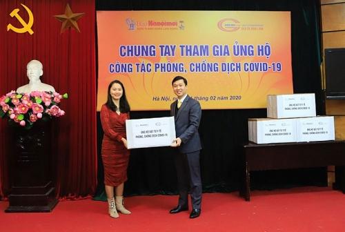 Him Lam Land tặng 10.000 khẩu trang kháng khuẩn cho người dân vùng ảnh hưởng dịch Covid-19
