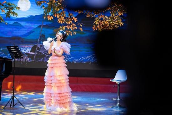 Ca sĩ Kim Huyền Sâm: Âm nhạc là món quà tinh thần gửi tới khán giả