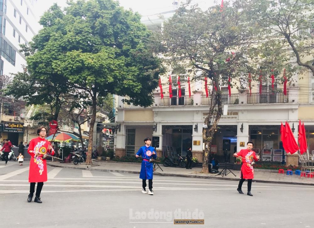 Thủ đô Hà Nội đặc sắc với nghệ thuật diễn xướng dân gian
