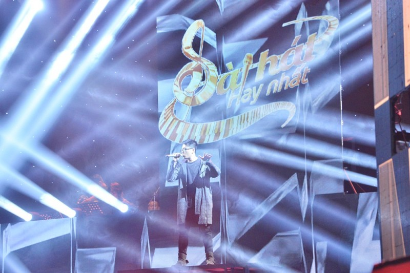 Con trai nhạc sĩ Đinh Quang Tuấn 'gây sốt' với ca khúc 'Bão'
