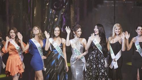 Nhật Hà xinh đẹp như nữ thần xuất hiện trước khán giả và truyền thông Thái Lan