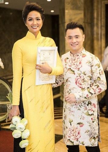 """H'Hen Niê, Phan Ngọc Hân và NTK Nhật Dũng hội ngộ tại lễ bế mạc """"Lễ hội Áo dài 2019"""""""