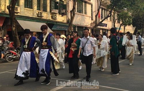 Tiếp tục đẩy mạnh tuyên truyền xây dựng người Hà Nội thanh lịch, văn minh